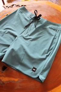 【BANKS JOURNAL】VISIT BOARDSHORTS