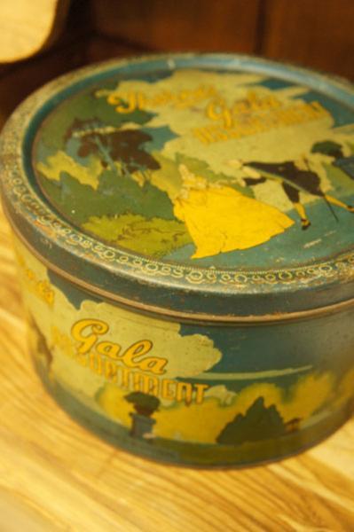 TIN缶(p-115)