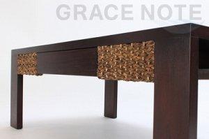 ミニマリストなデザインが魅力的なローテーブル