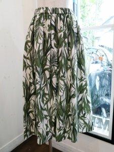 【QTUME】ボタニカル柄フレアースカート