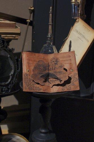ONEIROMANCY - 夢占いの本の財布 クジラ