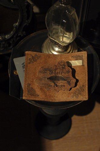 ONEIROMANCY - 夢占いの本のカードケース クジラ