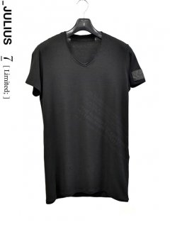_JULIUS LIMITED  Manifest T-Shirt<img class='new_mark_img2' src='//img.shop-pro.jp/img/new/icons8.gif' style='border:none;display:inline;margin:0px;padding:0px;width:auto;' />