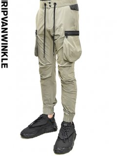 ripvanwinkle Light Cargo Pants<img class='new_mark_img2' src='https://img.shop-pro.jp/img/new/icons20.gif' style='border:none;display:inline;margin:0px;padding:0px;width:auto;' />