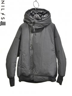 NIL&#248;S Padding Hooded Jacket<img class='new_mark_img2' src='//img.shop-pro.jp/img/new/icons8.gif' style='border:none;display:inline;margin:0px;padding:0px;width:auto;' />