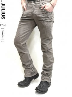 _JULIUS LIMITED Tuck-Up Bending Pants [DUST]<img class='new_mark_img2' src='//img.shop-pro.jp/img/new/icons32.gif' style='border:none;display:inline;margin:0px;padding:0px;width:auto;' />