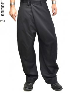 _JULIUS Tucked Wide Trousers
