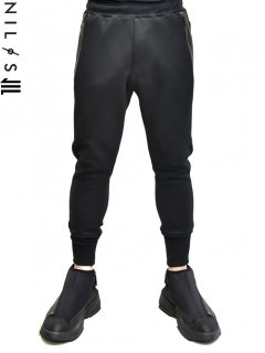 NILøS Side Slash Track Pants<img class='new_mark_img2' src='//img.shop-pro.jp/img/new/icons8.gif' style='border:none;display:inline;margin:0px;padding:0px;width:auto;' />