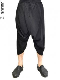 _JULIUS Shirring Crotch Pants<img class='new_mark_img2' src='//img.shop-pro.jp/img/new/icons8.gif' style='border:none;display:inline;margin:0px;padding:0px;width:auto;' />