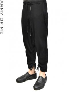 ARMY OF ME STRUCTURED COTTON ADJUSTABLE TROUSERS -BLACK-