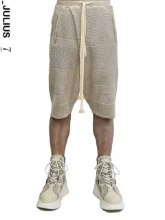 _JULIUS Stripe Knit Shorts<img class='new_mark_img2' src='https://img.shop-pro.jp/img/new/icons8.gif' style='border:none;display:inline;margin:0px;padding:0px;width:auto;' />