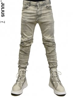 _JULIUS Tucked Knee Skinny Denim -SMOKE-<img class='new_mark_img2' src='//img.shop-pro.jp/img/new/icons8.gif' style='border:none;display:inline;margin:0px;padding:0px;width:auto;' />
