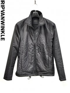 ripvanwinkle Inner High Neck Jacket<img class='new_mark_img2' src='https://img.shop-pro.jp/img/new/icons23.gif' style='border:none;display:inline;margin:0px;padding:0px;width:auto;' />