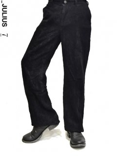 _JULIUS  Baggy Trousers<img class='new_mark_img2' src='https://img.shop-pro.jp/img/new/icons38.gif' style='border:none;display:inline;margin:0px;padding:0px;width:auto;' />