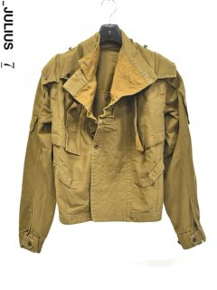 _JULIUS Reconstruction Military Jacket<img class='new_mark_img2' src='https://img.shop-pro.jp/img/new/icons38.gif' style='border:none;display:inline;margin:0px;padding:0px;width:auto;' />