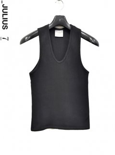 _JULIUS Cropped Tank Top<img class='new_mark_img2' src='https://img.shop-pro.jp/img/new/icons38.gif' style='border:none;display:inline;margin:0px;padding:0px;width:auto;' />