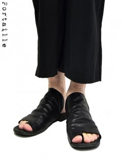 Portaille EXCLUSIVE Waxed horse Tong Sandals - Low cut -<img class='new_mark_img2' src='https://img.shop-pro.jp/img/new/icons8.gif' style='border:none;display:inline;margin:0px;padding:0px;width:auto;' />