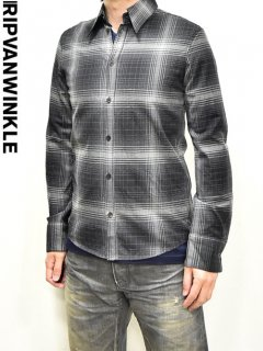 ripvanwinkle Check Shirt<img class='new_mark_img2' src='https://img.shop-pro.jp/img/new/icons23.gif' style='border:none;display:inline;margin:0px;padding:0px;width:auto;' />