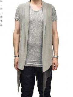 SISTERE Triangle Seamed Gillet<img class='new_mark_img2' src='https://img.shop-pro.jp/img/new/icons38.gif' style='border:none;display:inline;margin:0px;padding:0px;width:auto;' />