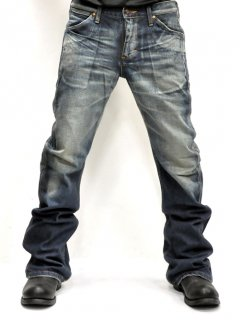 AKM×Wrangler Bundy Denim Pants<img class='new_mark_img2' src='//img.shop-pro.jp/img/new/icons20.gif' style='border:none;display:inline;margin:0px;padding:0px;width:auto;' />