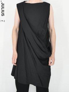 _JULIUS Shrine Vest<img class='new_mark_img2' src='https://img.shop-pro.jp/img/new/icons38.gif' style='border:none;display:inline;margin:0px;padding:0px;width:auto;' />