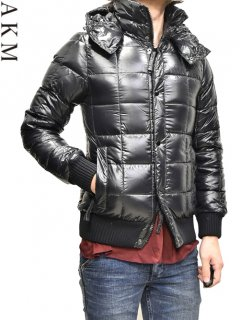 AKM×DUVETICA Square Stitch Down Jacket<img class='new_mark_img2' src='https://img.shop-pro.jp/img/new/icons38.gif' style='border:none;display:inline;margin:0px;padding:0px;width:auto;' />