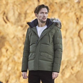 MEN STAZ PARKA WITH FUR<img class='new_mark_img2' src='https://img.shop-pro.jp/img/new/icons5.gif' style='border:none;display:inline;margin:0px;padding:0px;width:auto;' />