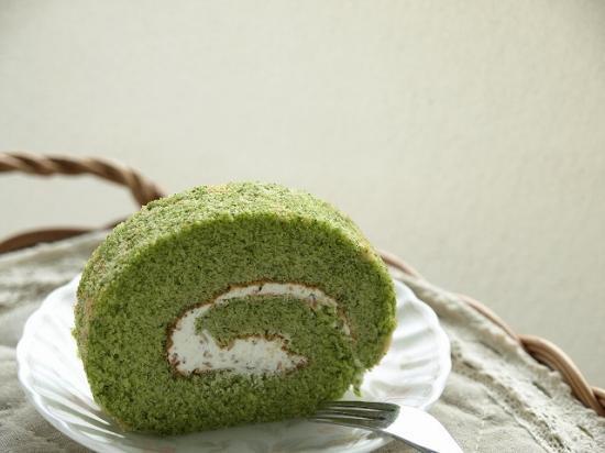 【小松菜】米粉のふわふわロールケーキ♪