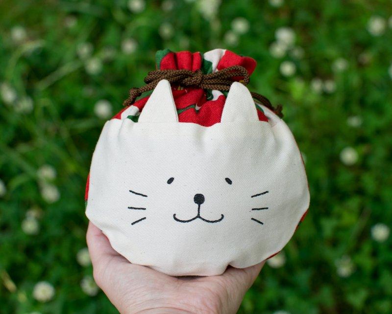 ネコぱんころりんミニ巾着 和風 赤椿×白