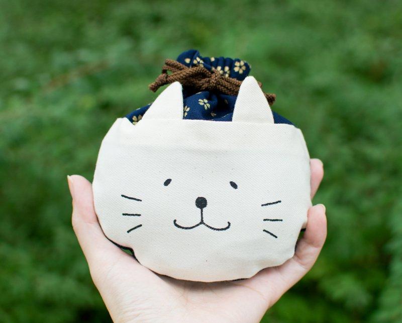 ネコぱんころりんミニ巾着 和風 金の桜 紺