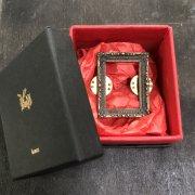 【Kaus】square frame L額縁/帽子用ピンバッチ