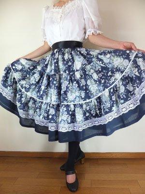 フォークダンス衣装◆紺地に可憐な白ばら柄三段ティアードスカートSK096