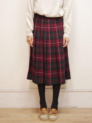エンジとグリーンのチェックのプリーツスカート