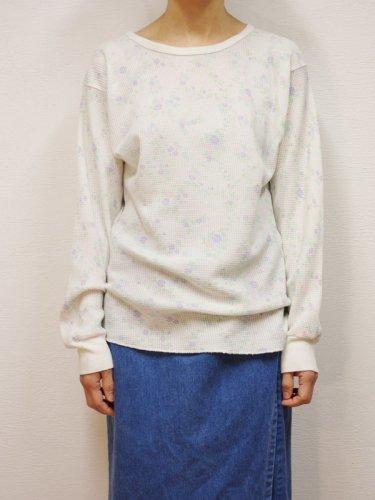 フラワープリントのサーマルシャツ