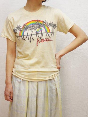 虹とヤシの木のプリントTシャツ
