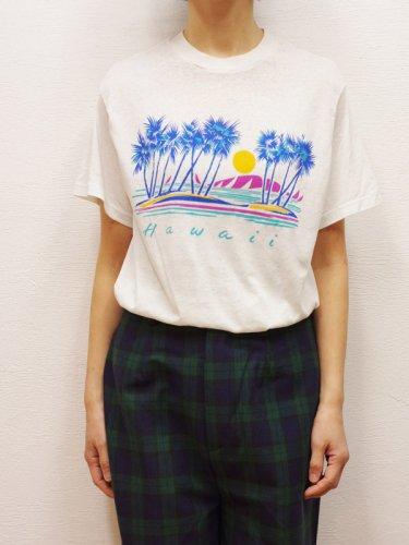 Hawaiiのヤシの木のプリントTシャツ