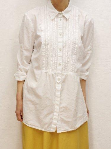 プリーツデザインのロングドレスシャツ