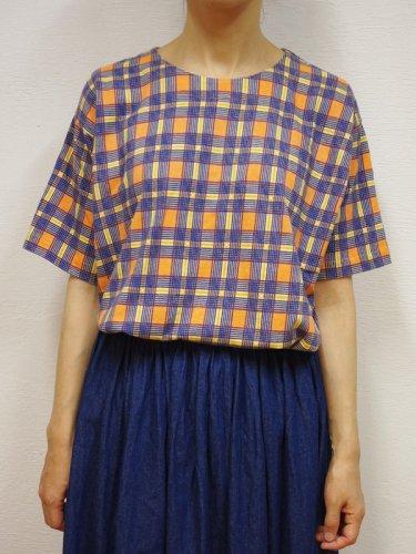 オレンジチェックの総柄ビッグTシャツ