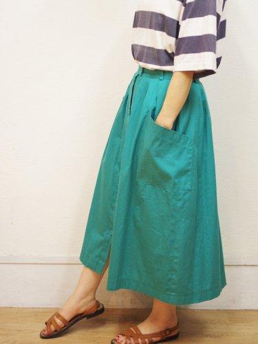 ヨーロッパ古着のターコイズグリーンのフロントボタンスカート