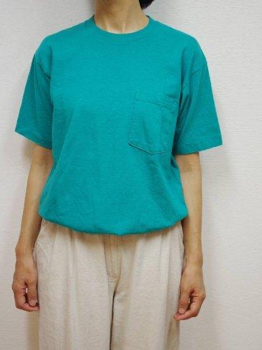 ターコイズグリーンのプレーンポケットTシャツ