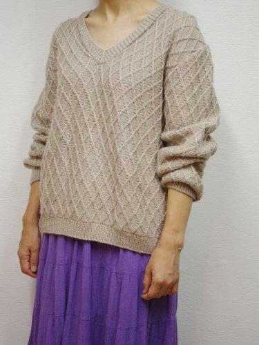 ひし形編み模様のローゲージニット