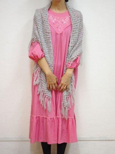 アメリカ古着のピンクの刺繍ワンピース