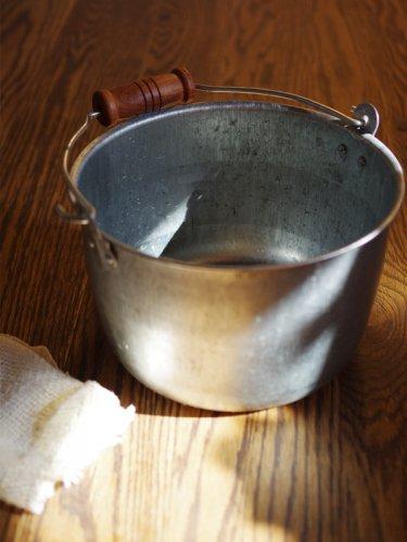 トタンの豆バケツ