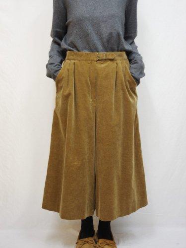 ブラウンのコーデュロイのキュロットスカート