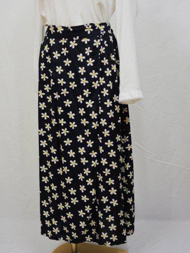 フラワープリントのラップスカート