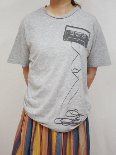 maxellカセットテーププリントのTシャツ