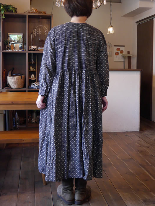 maison de soil, メゾンドソイル, INMDS18604, Voile Small Flower Print V-Neck Dress with Pin