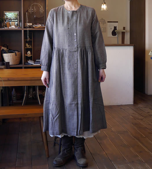 soil, ソイル. INSL18633, Wool Linen Glen Check Double Button Dress