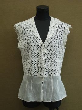 cir. 1930's lace gilet