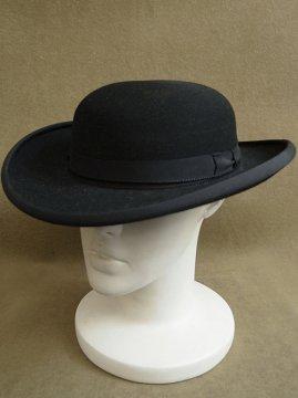 priest bowler hat bretagne